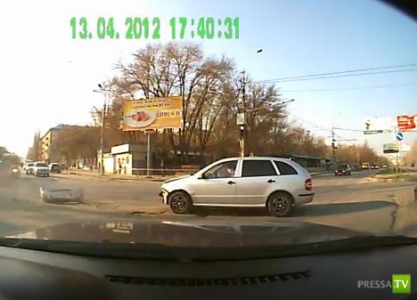 ДТП в Волгограде... перекресток!