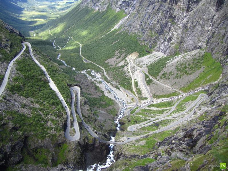 Необыкновенные дороги по всему свету (7 фото)