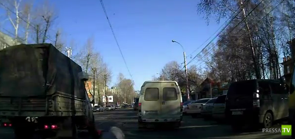 В Иркутске сбили бабушку...