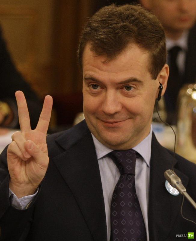 Фотографии известных политиков в неудачный момент (8 фото)