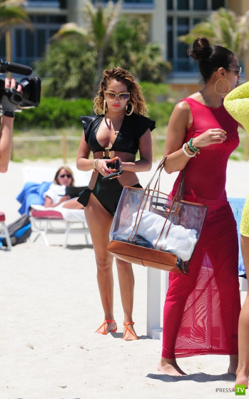 Adrienne Bailon на съемках реалити-шоу (22 фото)