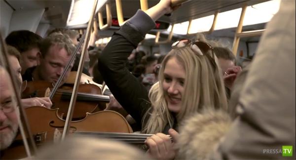 Музыкальный флешмоб в Копенгагском метро - апрель 2012 (видео)