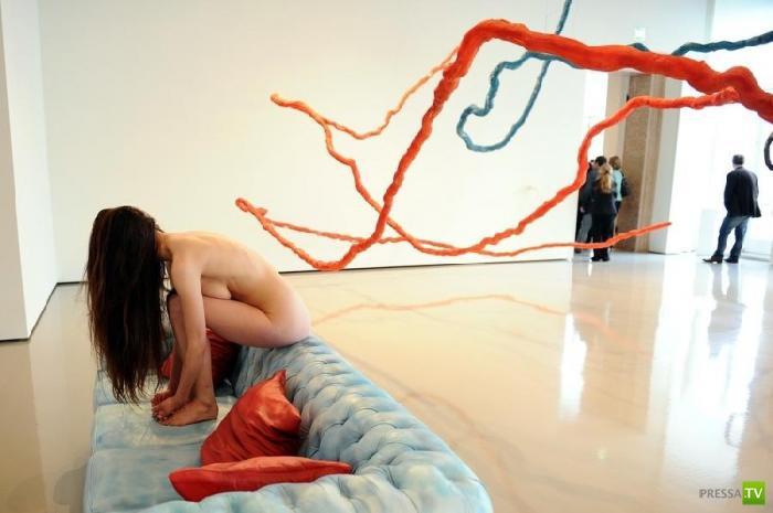 """Необычная выставка художника Урса Фишера """"Мадам Фишер"""" в Венеции, в Палаццо Грасси (9 фото)"""