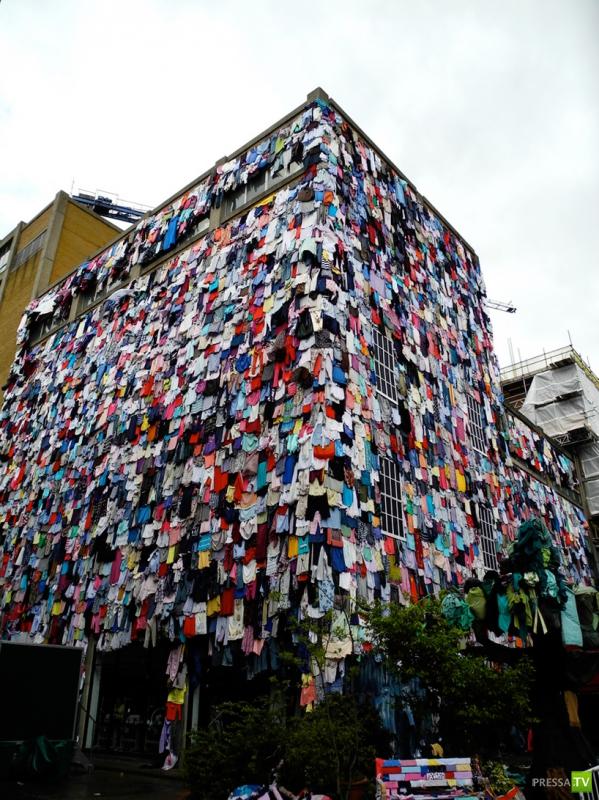 Неужели все жильцы одновременно затеяли стирку? (6 фото)