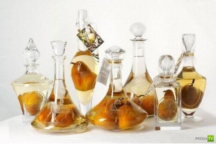 Как разместить целый фрукт в бутылке? (8 фото)