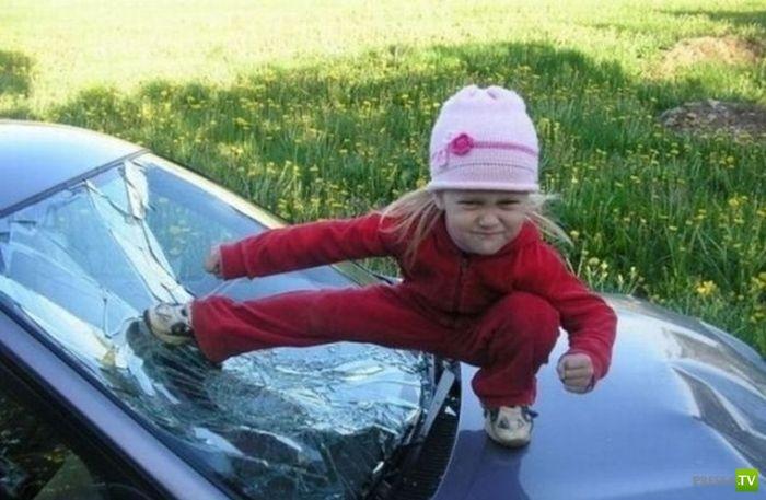 Как развлекаются наши милые детишки? (8 фото)
