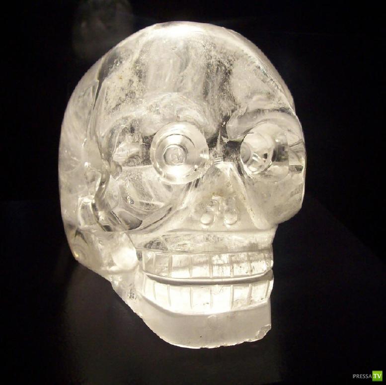 Магический череп Майя и конец света (2 фото)