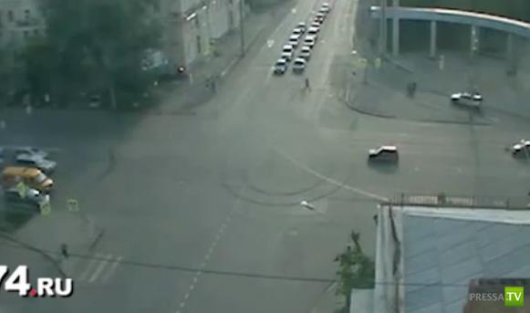 ВАЗ протаранил Оку на перекрестке в Челябинске