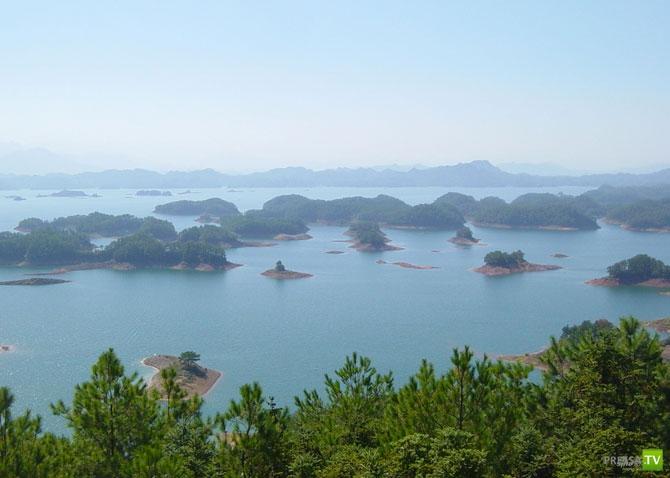Искусственное озеро Цяньдяоху с четырьмя сотнями островов ... (10 фото)
