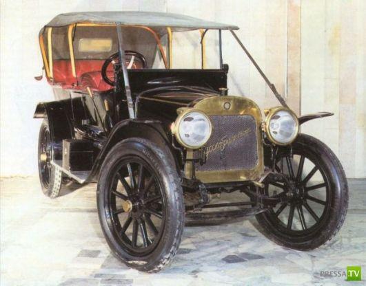 Самый первый российский автомобиль серийного производства ... немного истории