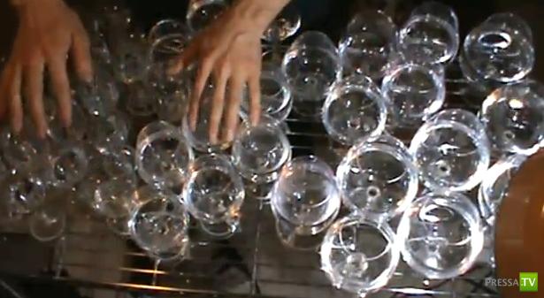 Музыка на стаканах с водой... Мелодия из фильма о Гарри Потере (видео)