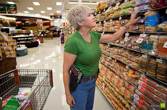 В Калифорнии разрешено открытое ношение оружия (7 фото)
