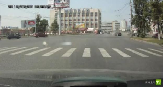Столкновение на Комсомольском проспекте в Москве