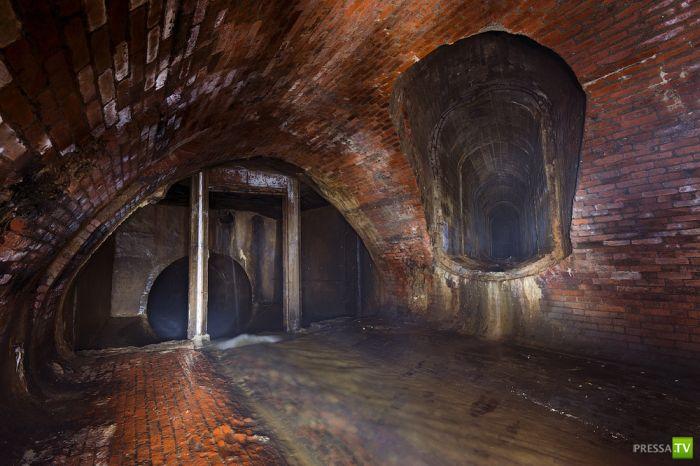 Подземелье в центре Москвы (21 фото)