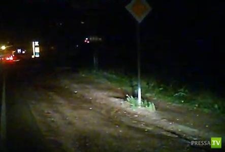 """Пьяный водитель """"Семерки"""" выехал на встречную полосу движения и столкнулся с фурой """"Iveco""""... ДТП в Самаре"""