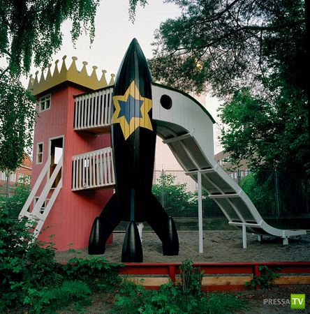 Двое датских архитекторов–гомосексуалистов решили отомстить детям (9 фото)