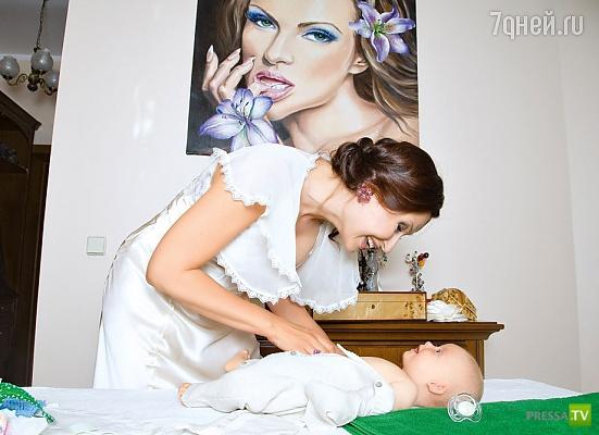 """Эвелина Блёданс: """"У моего сына - синдром Дауна"""" (6 фото)"""