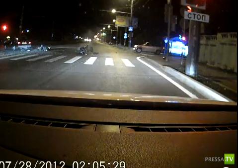 Смертельное ДТП в Пензе. От столкновения с мотоциклом машина перевернулась, водитель погиб... Жесть!!!