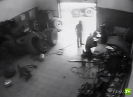 Колесо взорвалось при подкачке. Погиб работник шиномонтажной мастерской... в Уфе. Жесть!!!