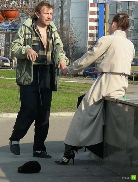 Российский проверенный и надежный способ реанимации человека (6 фото)