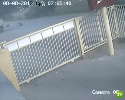 Мотоцикл врезался в КАМАЗ... Смертельное ДТП в Адлере