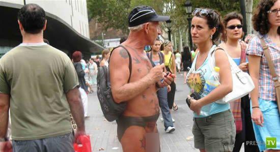 Татуировки вместо одежды (5 фото)