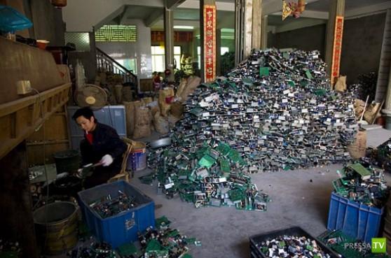Крупнейшая в мире свалка электронных отходов - Гуйюй (Guiyu) в Китае (11 фото)