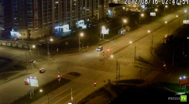Столкнулись на перекрестке... Смертельное ДТП в Красноярске.