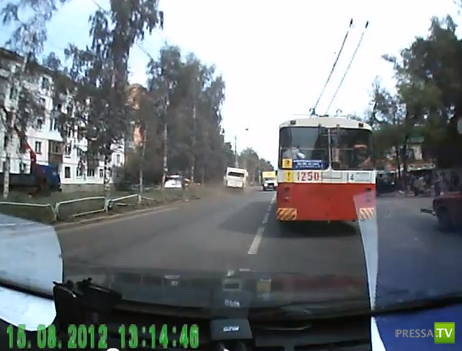 У автобуса отказали тормоза... ДТП в Ижевске