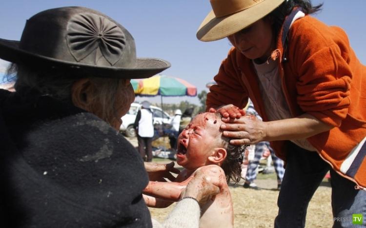 В Перу лечат купанием в овечьей крови (4 фото)
