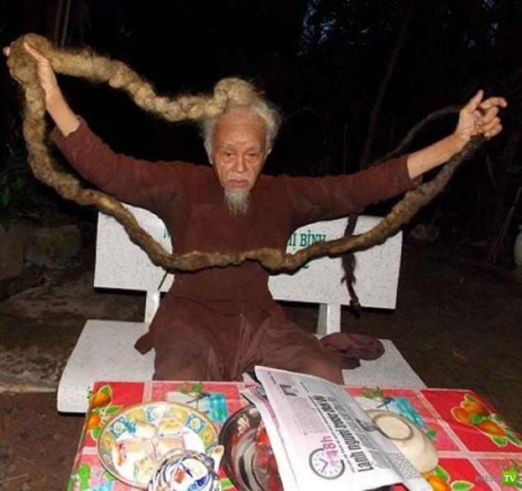 Не стриг волосы более 70 лет (3 фото)