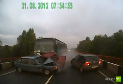 Смертельное ДТП с участием четырех легковых автомобилей и автобуса на трассе Краснокамского района. Жесть!!!