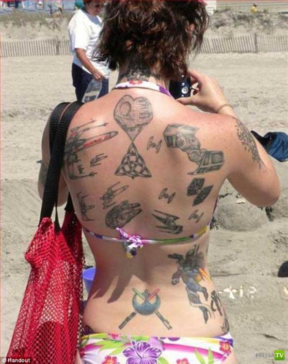Татуировки на виртуальную тематику (17 фото)