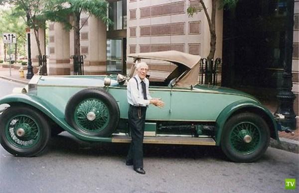 Водительский стаж 82 года и все за рулем одного автомобиля (3 фото)