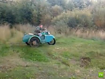 """Мотоцикл """"Урал"""" и """"крутой"""" водитель..."""