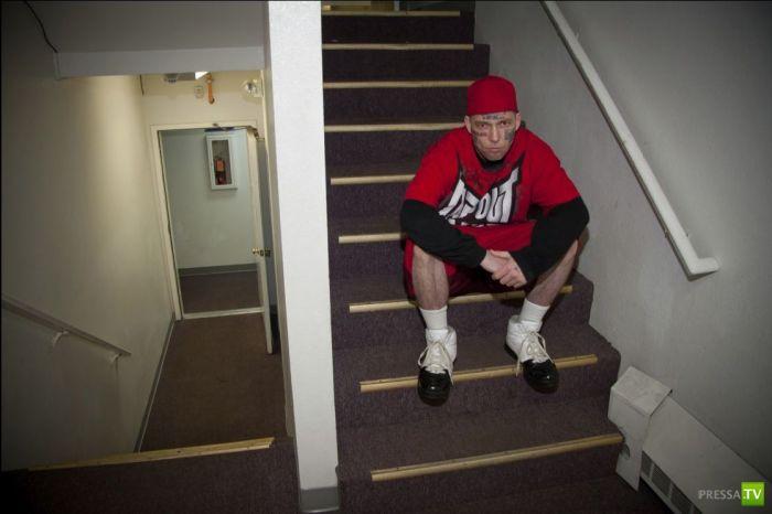 Боксер с Аляски Билли Джибби - человек-билборд (21 фото)
