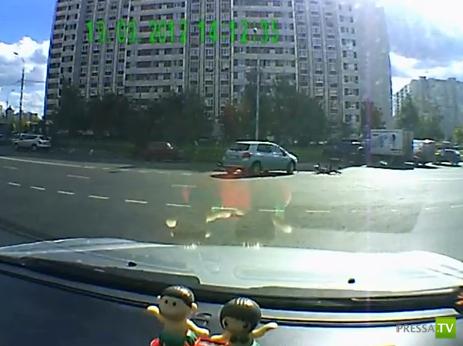 Сбила мотоциклиста... Виноваты оба. ДТП в Зеленограде
