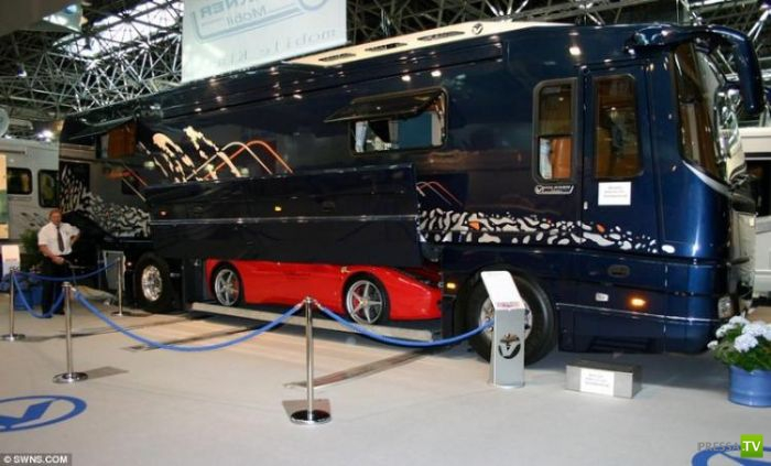 Шикарный дом на колесах за 1200000$ (9 фото)