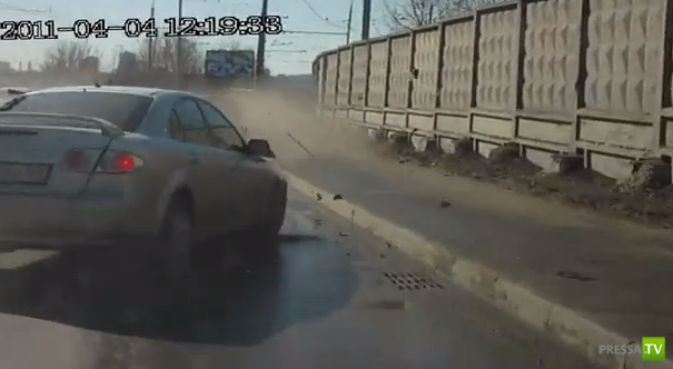 Пьяный водитель разбил сразу три машины...