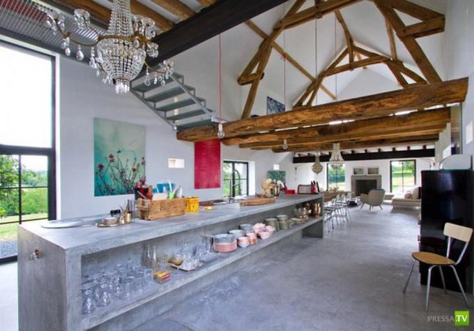 Французский дизайнер интерьеров Жозефина Джинцберджер реконструировала сарай в хоромы (24 фото)
