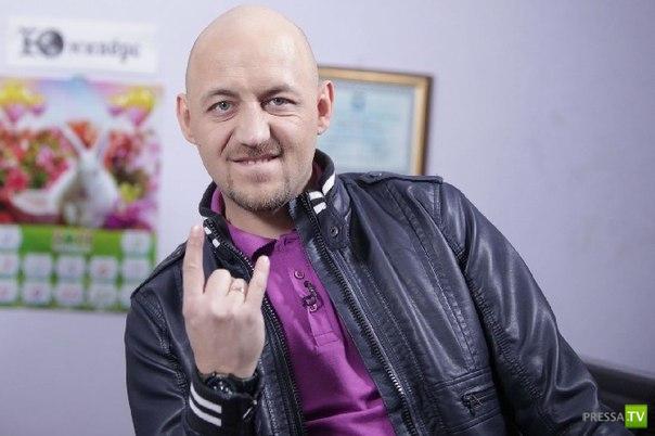 Отец известного шоумена Алексея Куличкова живет на помойке в Пензе (2 фото)