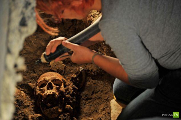 Археологи, возможно, нашли останки Моны Лизы ... ( 6 фото)