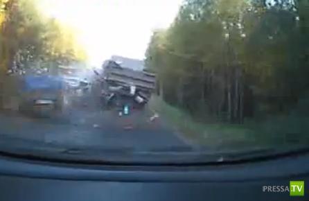 Смертельное ДТП с участием четырех машин... На трассе  Котлас - Ильинско-Подомское
