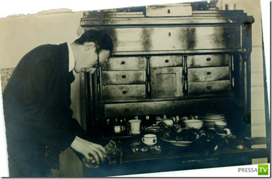 Отец Великого комбинатора (4 фото)