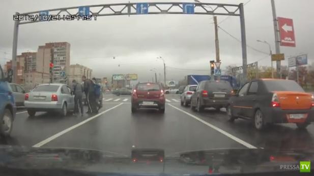 Драка на дороге в Купчино, Санкт-Петербург