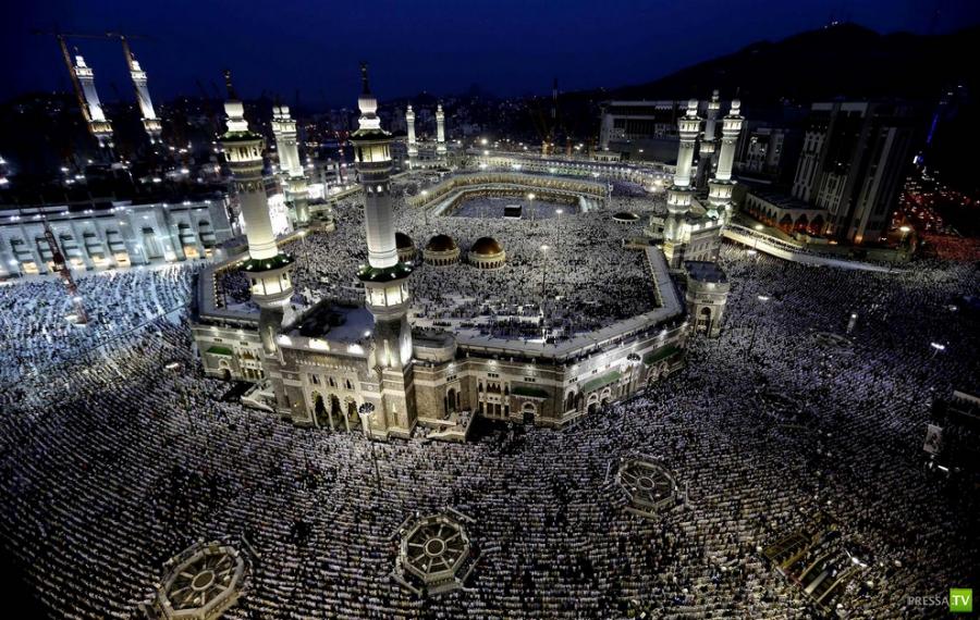 Хадж - паломничество в священный город Мекку (15 фото)