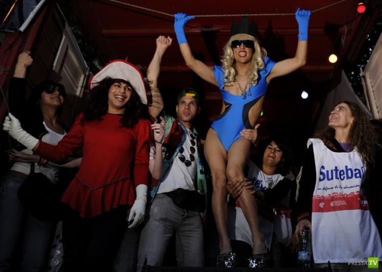 XXI гей-парад в Буэнос-Айресе (22 фото)