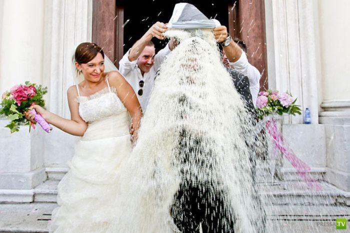 Подборка прикольных свадебных фотографий (46 фото)