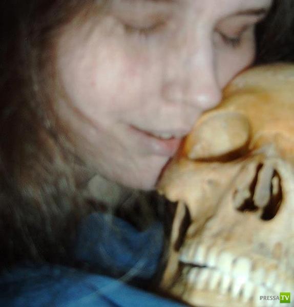 Шведка жила со скелетом (3 фото)