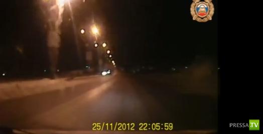 Водитель ГАЗ - 3110 не справился с управлением... ДТП на метромосте в Омске. Погиб ребенок. Жесть!!!